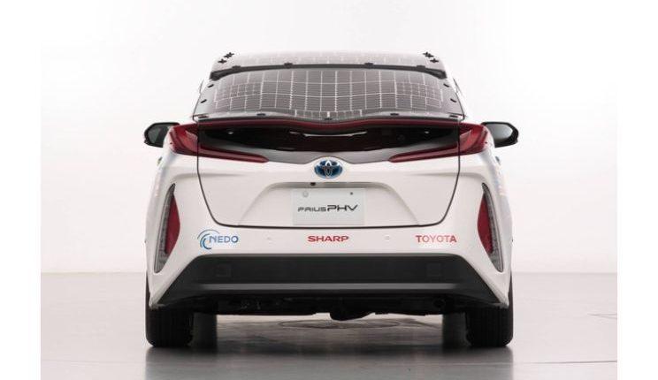 toyota-prius-phv-demo-car-with-solar-panels-2