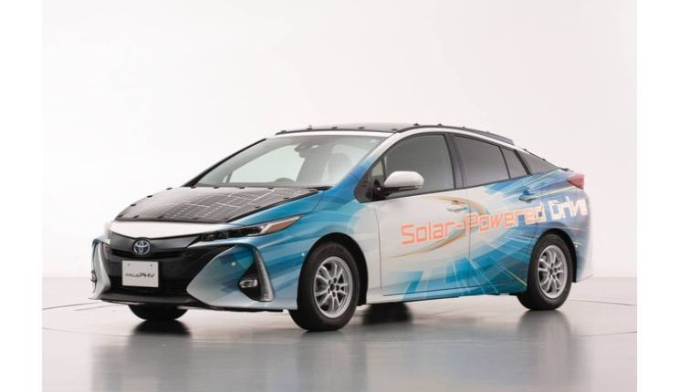 toyota-prius-phv-demo-car-with-solar-panels-5